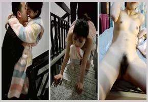 穿着睡袍就在楼梯干被表哥艹得太爽呻吟淫荡地叫被发现