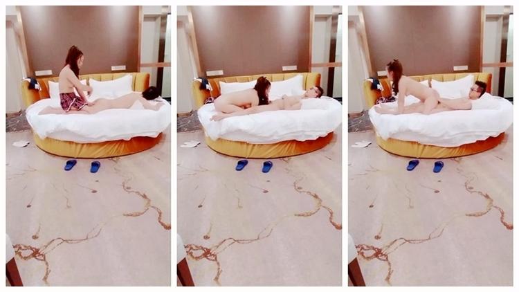 眼镜小哥酒店找小姐啪啪偷怕 大圆床按摩一番再口交啪啪非常诱人