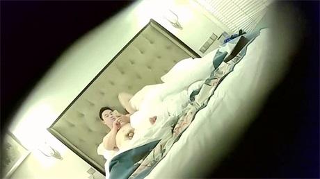 摄像头拍下的会所嫖娼视频小姐砍不死像个新来的