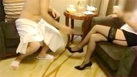 五星酒店黑丝抓嫖女警受辱记_完整版_被各种姿势爆操_淫荡叫声动人