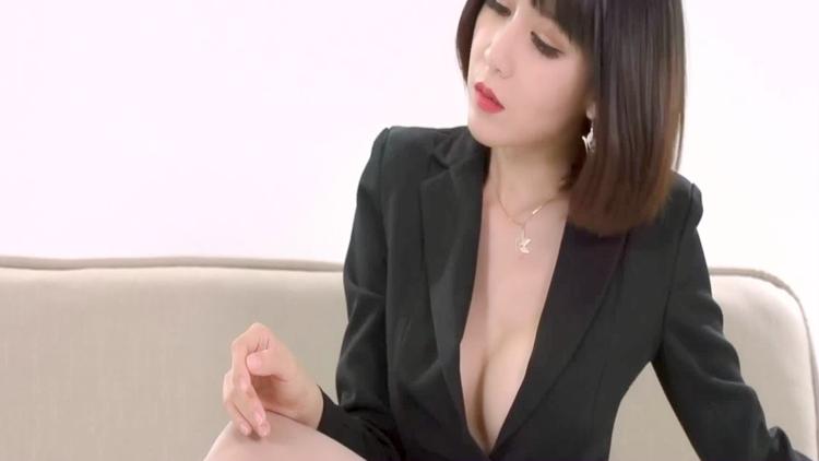 《霸道女秘书》潘朵拉