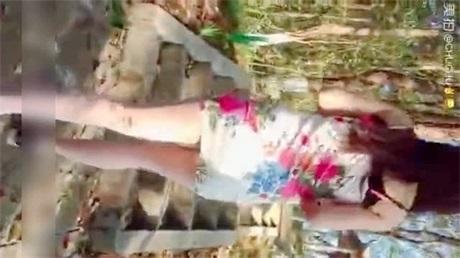 网红月儿演绎小美女爬山被色狼尾随跟踪强干呻吟刺激