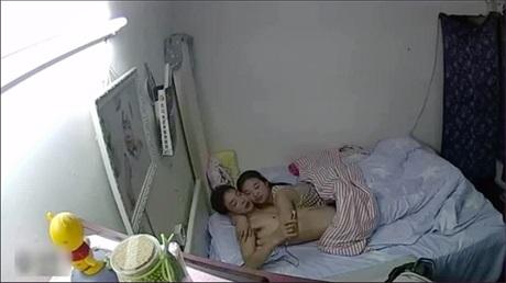 对白淫荡小两口激情啪啪床上床下来回干骚妻叫的受不了